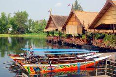 River Kwai Thailand, Kanchanaburi: River Houses