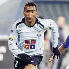 José Bosingwa da Silva Nascimento: 1982 Naturalidade: Zaire / Portugal 2001-2003 – Boavista FC 2003-2008 – FC Porto (152 jogos) 2008-2012 – Chelsea FC (Ing) Campeão Nacional – 4 Supertaça de Port…