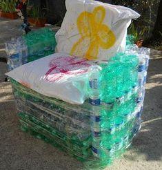 Riciclo: tutorial per la paltrona con le bottiglie di plastica