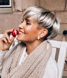Top 25 Short Shag Haircuts of 2019 - Style My Hairs Short Textured Hair, Short Grey Hair, Short Hair With Bangs, Short Hair Cuts For Women, Short Hair Styles, Bob Hairstyles For Fine Hair, My Hairstyle, Pixie Hairstyles, Short Hairstyles For Women