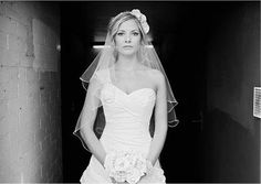 wedding dresses/shoulder style / idea