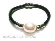 Armband Leder Perle von DeineSchmuckFreundin - Schmuck und Accessoires auf DaWanda.com