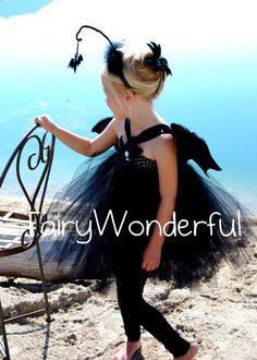 Timbit bat costume London wants to be a bat this year. Halloween 2016, Halloween Costumes For Girls, Holidays Halloween, Halloween Decorations, Homemade Costumes, Diy Costumes, Costume Ideas, Crochet Baby Costumes, Crochet Fairy
