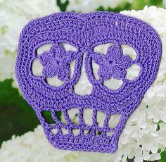 FREE PATTERN Ravelry: Vera Crochet Day of the Dead Skull Pattern pattern by Spider Mambo ♥ Free pdf
