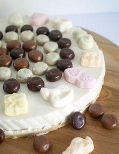 Sinterklaas kwarktaart | Foodaholic.nl Camembert Cheese, Bakery, Cookies, Party Recipes, Arm, Winter, Inspiration, Crack Crackers, Winter Time
