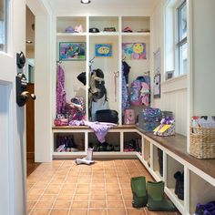 Partial mudroom idea, I like that the bench continues on the long side