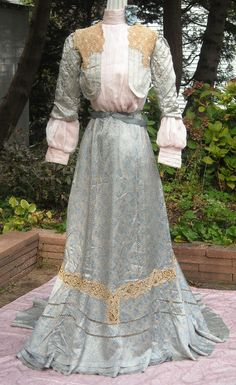 1900-1910 day dress ... like the vest look.