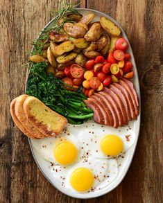 Saturday morning brunch platter. Duck eggs, smoked duck breast, broccolini, roasted duck fat potatoes, cherry tomatoes & ciabatta toast. Wishing y'all a safe & healthy day! #trytheduck #kingcoleducks #duckeggs Duck Eggs, Ciabatta, Saturday Morning, Cherry Tomatoes, Platter, Cobb Salad, Roast, Brunch, Potatoes