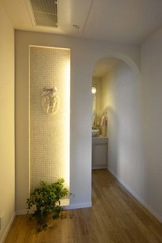 廊下の突き当たりに作られたニッチ。ベッドヘッドのモールディングやアイアンの間仕切り壁でロマンチックな空間になりました。|インテリア|おしゃれ|自然素材|モデルハウス|創業以来、神奈川県(秦野・西湘・湘南・藤沢・平塚・茅ヶ崎・鎌倉・逗子地区)を中心に40年、注文住宅で2,000棟の信頼と実績を誇ります|
