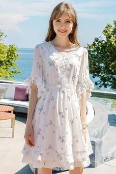 Lace V-Neck Ruffle Sleeve Floral Dress Fall Dresses, Pretty Dresses, Casual Dresses, Girls Dresses, Modest Fashion, Girl Fashion, Fashion Dresses, Chiffon Dress, Dress Skirt