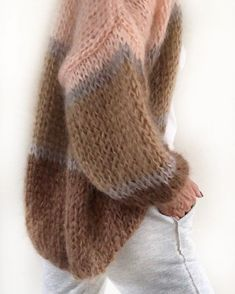 Sweater Knitting Patterns, Knitting Designs, Hand Knitting, Crochet Shirt, Knit Crochet, Pullover Mode, How To Purl Knit, Mohair Sweater, Sweater Fashion