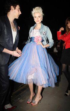 Agyness Deyn birthday dress Agnes Deyn, Love Fashion, Fashion Art, Edgy Pixie Cuts, Men Wearing Dresses, 80s Prom, Black Grunge, Boyfriend Birthday, Grunge Hair