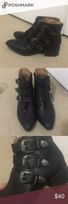 Black Booties Not enough wear, I end up wearing my sneakers!  Worn 2xs still looks new just scuff on the bottom  Super cute detailing!  Makes a nice click clack noise lol. Topshop Shoes Ankle Boots & Booties