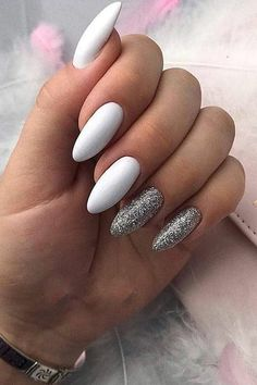 Nail art Christmas - the festive spirit on the nails. Over 70 creative ideas and tutorials - My Nails Silver Nails, White Nails, White Manicure, Black Nails, Cute Acrylic Nails, Fun Nails, Nail Manicure, Nail Polish, Nail Design Spring