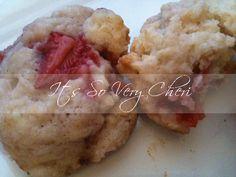 Strawberry Shortcake Cookie  http://itssoverycheri.com/2011/12/08/strawberry-shortcake-cookies/