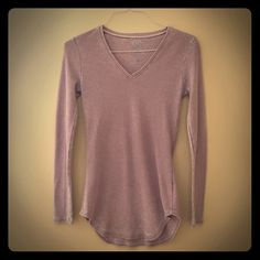 GO COUTURE Scoop Neck Thermal Top size M GO COUTURE Scoop Neck Thermal Top size M retail $148 EUC   – Long sleeves – Thermal knit – Front seam detail – Made in USA Fiber Content: 47% rayon, 47% polyester, 6% spandex Care: Machine wash Additional Info: Fit: this style fits true to size. Model's stats for sizing: – Height: 5'9″ – Bust: 31.5″ – Waist: 23″ – Hips: 35.5″ Model is wearing GO COUTURE  Tops Tees - Long Sleeve