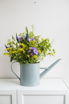 Our Florence bouquet has a country feel to it, inspired by the traditional wildflowers of an English Garden. Shop the bouquet at £29 with free next day delivery from Bloom & Wild