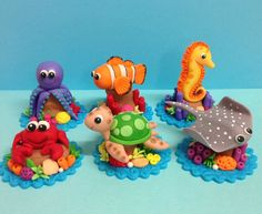 Fondant Sea Animals Cupcake Toppers Turtle Sting by CherryBayCakes by vickie Fondant Toppers, Fondant Cakes, Cupcake Toppers, Cupcake Cakes, Fondant Icing, Chocolate Fondant, Modeling Chocolate, Fondant Animals, Clay Animals