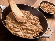 FMD-style protein-packed treat: Easy Refried Beans. Get the recipe from our blog. fast metabolism diet #metabolicdiethayliepomroy #FastMetabolismDiet,