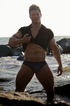 Aesthetic MuscleS - Bodybuilding at its Best: Stefan Gatt
