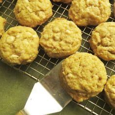 My 12 year old daughter made this gluten free dairy free white chocolate chip cookie recipe yesterday for family night and they were so delicious! They tasted just like their non-gluten-free count… Dairy Free White Chocolate Chips, White Chocolate Desserts, White Chocolate Chip Cookies, Cookie Desserts, Cookie Recipes, Egg White Recipes, Dairy Free Recipes, Sweet Tooth, Recipe Making