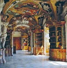 Library of the Benedictine Metten Abbey, near Deggendorf, Bavaria, Germany. The library is open for tours and contains over 150,000 volumes. EA.