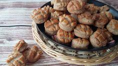 Puha tepertős pogácsa kicsit diétásabb változatban, teljes kiőrlésű lisztből, kizárólag reggelire vagy a diétás ebéd kiegészítéseként! Sandwiches, Oven, Muffin, Healthy Recipes, Healthy Food, Bread, Baking, Breakfast, Recipes
