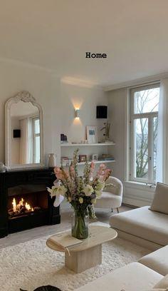 Dream Home Design, My Dream Home, Home Interior Design, House Design, Home Living Room, Living Room Decor, Aesthetic Room Decor, Dream Apartment, Dream Rooms
