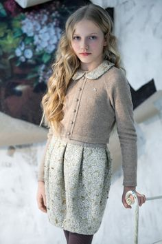 Love this stunning vintage look, take us back to the good old days!