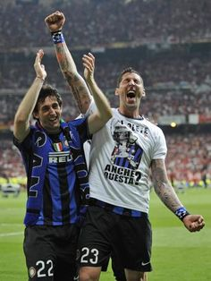 #Materazzi exults with #Milito after winning the #championsleague