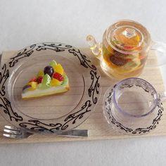 フルーツタルトとフルーツティー #ミニチュア#miniature#フルーツタルト#fruittart#フルーツティー#tea#ハンドメイド#handmade#フェイクフード#fakefood#ドールハウス#dollhouse