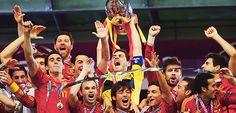 Yo siempre te apoyo. El Equipo Seleccion Española ! El Equipo Seleccion Española es el primer equipo en la historia en ganar 3 grandes torneos consecutivos. (Euro 2008, Copa del Mundo de 2010 y la Eurocopa 2012)