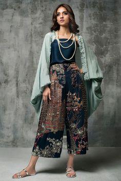 Designer Dresses - Maxi Party & More - Women Pakistani Dresses Casual, Pakistani Dress Design, Pakistani Bridal Dresses, Indian Dresses, Indian Outfits, Indian Fashion, Boho Fashion, Fashion Dresses, Fashion Ideas