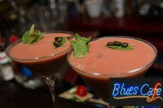 O zi plăcută la #BluesCafe! #CentrulVechi Blue Cafe, Blues, Pudding, Desserts, Food, Tailgate Desserts, Meal, Dessert, Eten