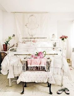 White wire bed frame and white lace will make any room look rustic ~ add some vintage decor to complete the look!