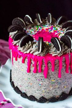 This Birthday Cake Oreo Cake screams PARTY! Dark chocolate and Funfetti Oreo cake, frosted with birthday cake Oreo frosting and drizzled with pink ganache. Oreo Cake Pops, Oreo Frosting, Oreo Cookie Cake, Chocolate Oreo Cake, 20 Birthday Cake, Birthday Desserts, Birthday Cake Recipes, Apple Birthday, Birthday Cakes For Teens