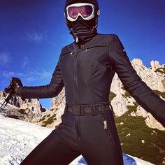 goldberghA great pic sent in by Viktoria in Nassfeld (AU) #goldbergh #gold #catsuit #nassfeld #black #bondgirl #wintersport #ski #austria #snow