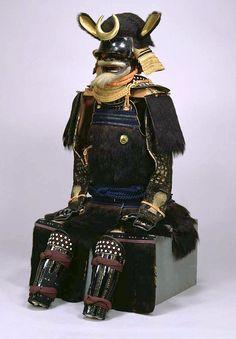 Bear Fur Gusoku. Momoyama period, 17th Century. 熊毛植二枚胴具足 時代: 桃山時代_17c -Tokyo National Museum-