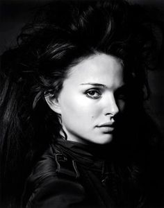 celebrity portraits by Herb Ritts - Natalie Portman Foto Portrait, Female Portrait, Portrait Photography, Natalie Portman Peliculas, Black And White Portraits, Black And White Photography, Natalie Portman Movies, Nathalie Portman, Herb Ritts