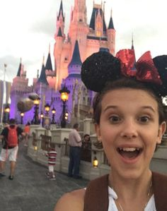Millie Bobby Brown Just Opened Up About Her Exhaustion In The Most Mature Way Living in the Upside Down ain't easy! Bobby Brown Stranger Things, Eleven Stranger Things, Stranger Things Netflix, Millie Bobby Brown, Browns Fans, Sadie Sink, Celebs, Celebrities, Best Actress