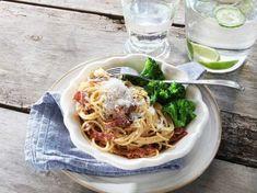 WW ViktVäktarnas 7 tips att komma i form Halloumi, Pasta Carbonara, Zucchini, Spaghetti, Health Fitness, Food And Drink, Ethnic Recipes, Vintage, Recipes