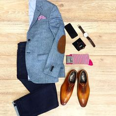 Wardrobe essentials of a modern day gentleman! Drop by us NOW at Steel All Male & witness dapper inspiration for your closet :) # Menswear Modern Gentleman, Gentleman Style, Modern Man, Mode Masculine, Look Fashion, Mens Fashion, Fashion Ideas, Casual Wear, Men Casual
