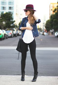 donna-vestiti-casual-pantalone-nero-stretto-t-shirt-bianca-giacca-jeans-cappello-occhiali-da-sole-accessori