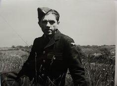 Emil Boček v roce 1943 Paratrooper, Ww2, Photo Galleries, Army, Hero, Memories, Gallery, Fictional Characters, Gi Joe