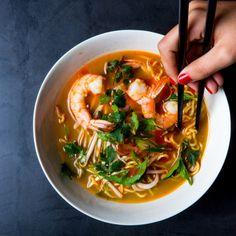 Aromatic Shrimp and Noodle Medicine Soup Recipe
