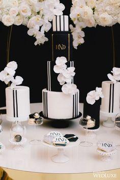 Chic black and white cake(s) Black And White Wedding Theme, Black Wedding Cakes, Beautiful Wedding Cakes, Gold Wedding, Cupcake Tower Wedding, Wedding Cupcakes, Wedding Cake Toppers, Cupcake Towers, Wedding Cake Alternatives