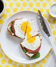 egg sandwich breakfast