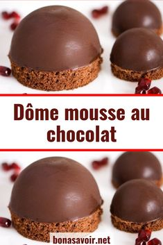 Dôme mousse au chocolat Here is a delicious dessert to finish off a good holiday meal. Valentine Desserts, Köstliche Desserts, Dessert Recipes, Cheesecake Mousse Recipe, Turtle Cheesecake Recipes, Bakers Chocolate, Artisan Chocolate, Chocolate Dome, Easy Cake Recipes