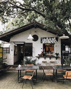 super ideas for exterior house materials patio super ideas for exterior house materials patio The post super ideas for exterior house materials patio appeared first on Etta Ward. Design Room, Roof Design, Small Restaurant Design, Small Cafe Design, Small Coffee Shop, Coffee Store, Cafe Shop Design, Cafe Interior Design, Deco Cafe