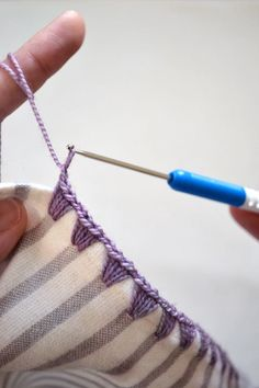 How to crochet edging on flannel blankets: